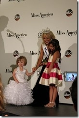 Miss America 2017 Savvy Shields (Miss Arkansas 2016) and court
